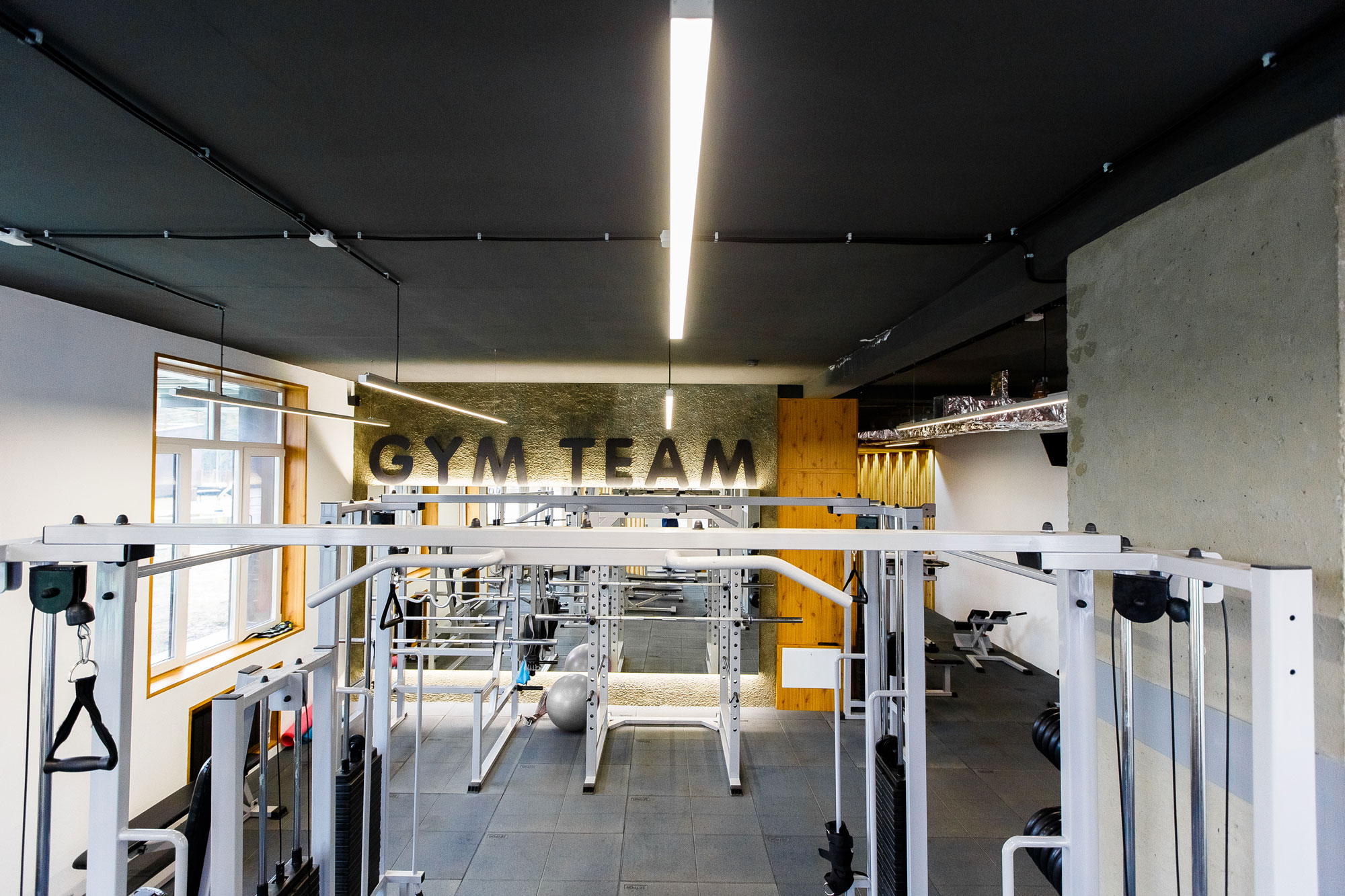 Дизайн интерьера тренажерного зала в Сургуте